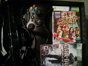 Xbox 360 slim 4gb bundle one remote, Kinect and 2 games