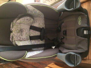 ***Car Booster Seat in Good Condition***