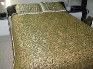 Oriental queen bed cover