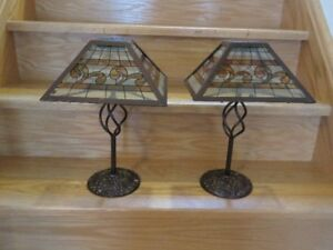 SET OF 2 - TIFFANY STYLE SOLAR POWERED TABLE LAMPS - $50/PAIR