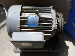 7.5HP INDUSTRIAL ELECTRIC MOTOR 230 VOLT PHASE 1