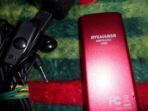 Sylvania 4 GB Mp3 Player.  $30 Prince George British Columbia image 2