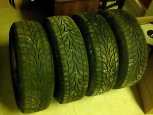 PNEUS / TIRES + MAGS (4) *** 215/70R15 Winter Claw Extreme Grip,