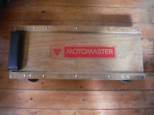 Vintage wood motomaster automotive creeper in very nice conditio
