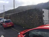 Stone wall gelli