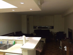 Downtown studio apartment available for sublet 1101 Bay St.