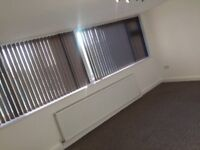 2 bed flat East Didsbury, close to transport, all amenaties, tesco, metro link, easy accses to city.