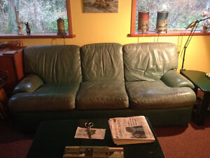Solid older leather couch & loveseat