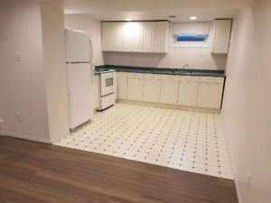 Large basement suite in Capilano