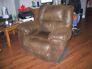 Rocker/ Recliner by Ashley....check out all my for sale ad's Cambridge Kitchener Area image 5