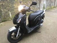 2008 Honda PS 125 cc learner legal 125cc scooter with MOT. Sold as spares or repair.