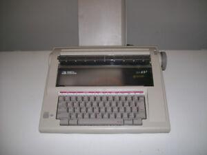 Machine à écrire électronique