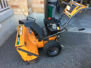 10 HP YARD KING PERFORMANCE SNOWBLOWER FOR SALE