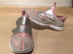 Women's Nike Free 4.0 Running Shoes Size 10 London Ontario image 3