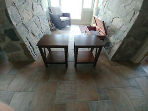 2 Wood End Tables  Excellent Condition 20x17.5x22