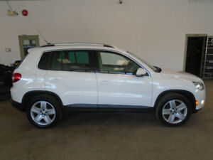 2011 VOLKSWAGEN TIGUAN AWD! LEATHER! 135,000KMS! ONLY $11,900!!!