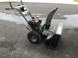 MUST GO MURRAY SNOWBLOWER   The  first $180.00 it be gone 10 hp