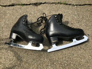 Risport Figure Skates - Size Youth