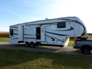 2011 35' grand junction fifth wheel trailer.