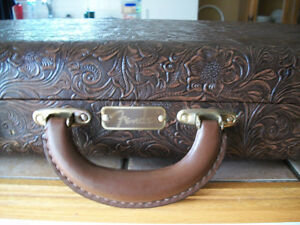 FENDER G&G LIMITED EDITION WESTERN TOOLED HARDCASE(NEW)