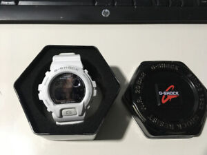 G-SHOCK WATCH & CASE - ALMOST NEW! COST $225- ONLY $85.00