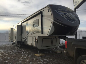 2014 Montana Mountaineer 5th Wheel