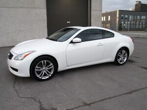 INFINITI G37X COUPE 2009 AWD TRES PROPRE CUIR TOIT MAG
