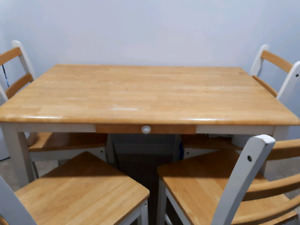 Dining Table with small drawer and chairs