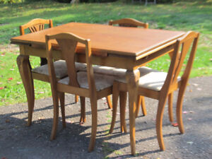 Beautiful Mahogany Draw Leaf Table and 4 Chairs Circa 1940's