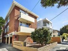 BEAUTIFULLY RENOVATED TOP FLOOR APARTMENT! Elwood Port Phillip Preview