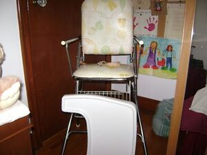 Folding High Chair Kitchener / Waterloo Kitchener Area image 2