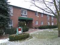 Tottenham Large 1 BEDROOM $915 CALL to VIEW  905-936-3148