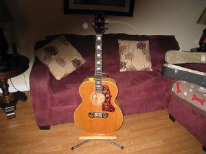 A /ccoustic guitar