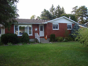 Brick bungalow in Kincardine, close to Bruce Power,