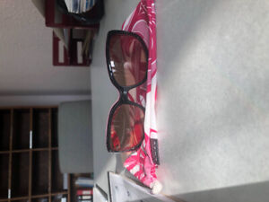 Woman's Oakley sunglasses