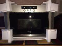 BAND NEW Lamona Range Integrated Microwave