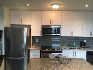 Female Roommate wanted - AMAZING LOCATION  (Avail. JULY 1)