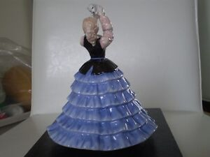 "Royal Doulton Figurine - "" Susan "" HN 4777 - Kitchener / Waterloo Kitchener Area image 3"