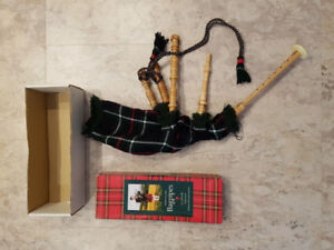 Junior Playable Bagpipes, Gold Brothers