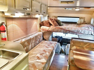 Rustic Glamping for TWO in Vintage Sea Breeze RV