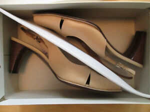 *Like New* Naturalizer Leather High Heel Shoes Size 7.5