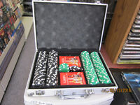 Poker Set With 2 Decks Of Cards In A Hard Shelled Carrying Case