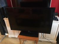 LG 42 INCH FULL HD TV + REMOTE! LIKE NEW CONDITION! BARGAIN!