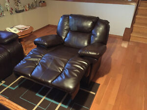 Reclining couch and chair Edmonton Edmonton Area image 2