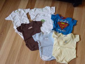 cache couche/ suce/ t-shirt d'allaitement