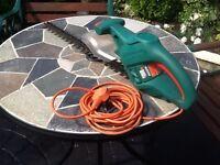 420 watt Black & Decker hedge trimmer