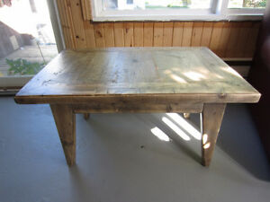 Table café style rustique / Rustic-style coffee table