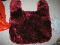 Gorgeous Burgundy Toilet Mat in Great Condition