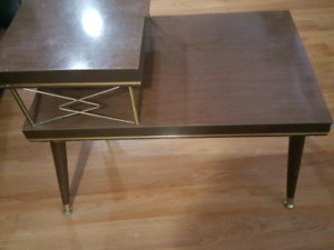 End table for sale 25 call or text 7785384448