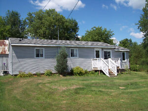 oxford station 2 bedroom home for rent kemptville area